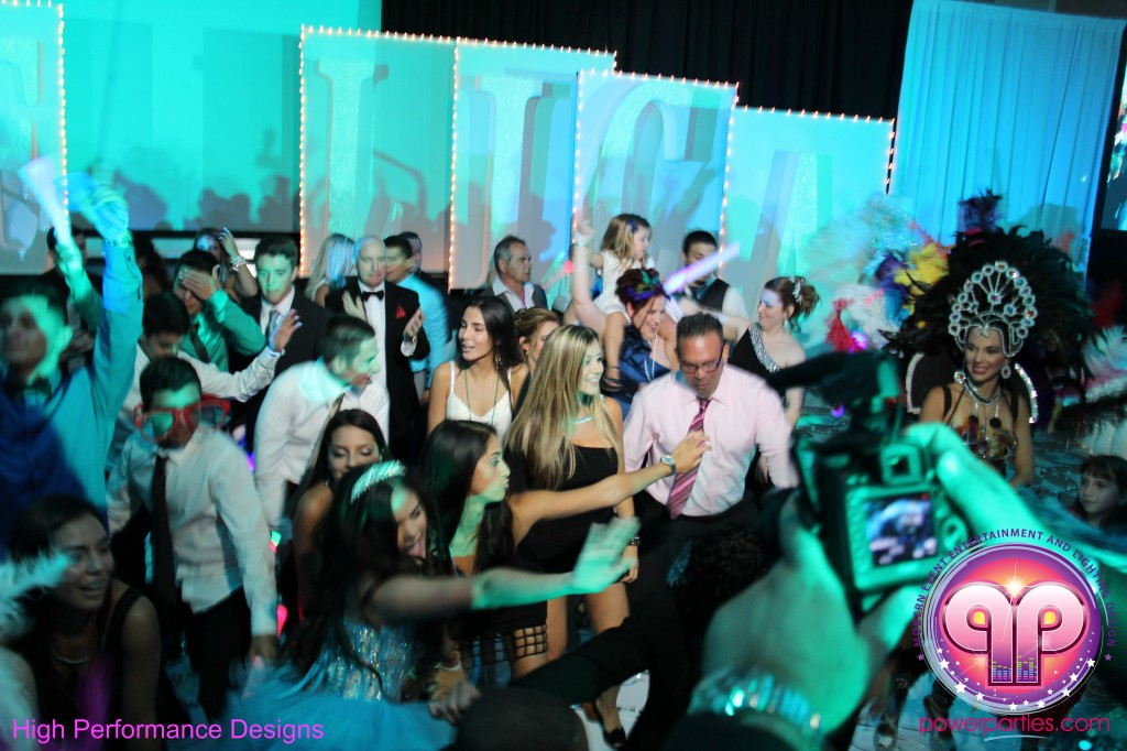 Miami-DJ-Quince-Stages-Power-Parties-Fontainebleau-Miami-Beach-Angelica-Quince stage-Decor-Photo-Booth-20140724_ (14)