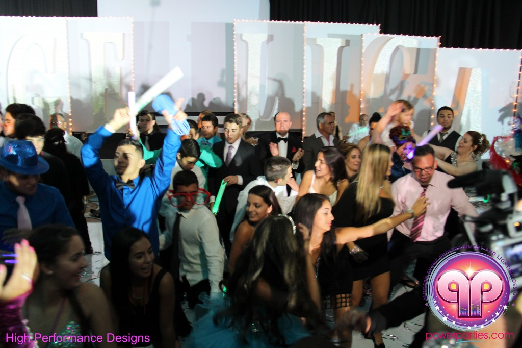 Miami-DJ-Quince-Stages-Power-Parties-Fontainebleau-Miami-Beach-Angelica-Quince stage-Decor-Photo-Booth-20140724_ (15)