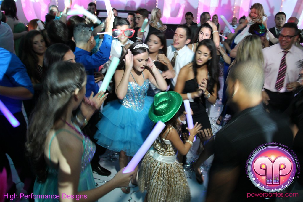 Miami-DJ-Quince-Stages-Power-Parties-Fontainebleau-Miami-Beach-Angelica-Quince stage-Decor-Photo-Booth-20140724_ (17)