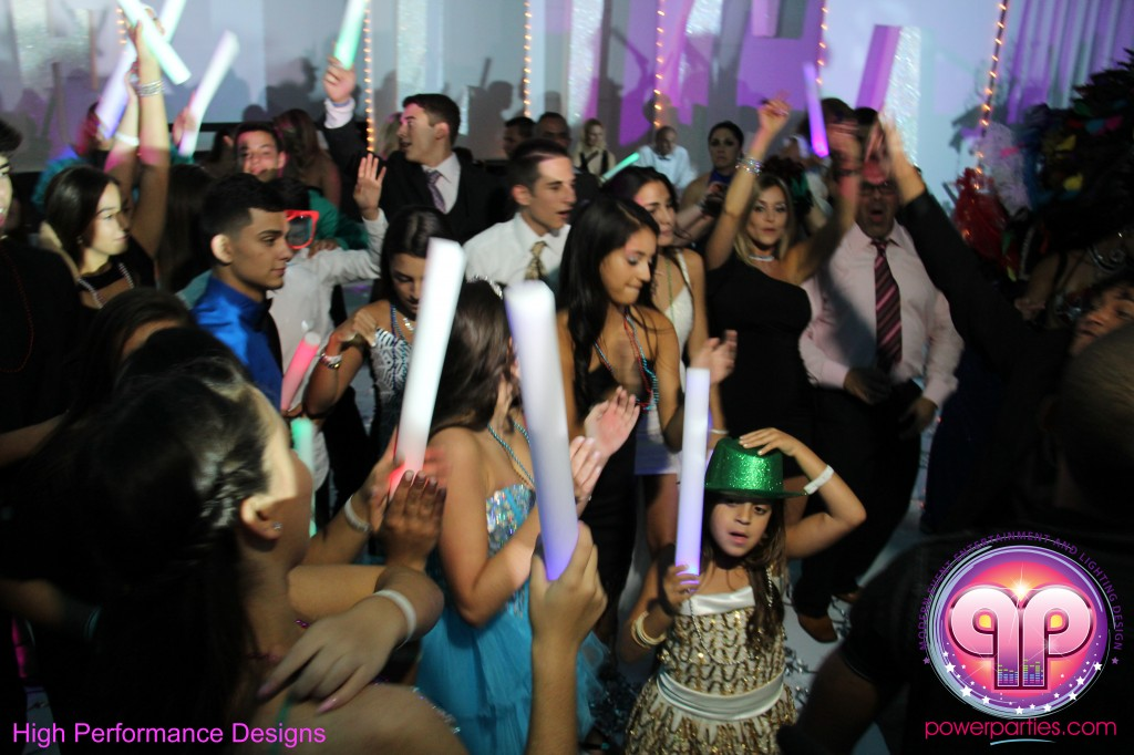 Miami-DJ-Quince-Stages-Power-Parties-Fontainebleau-Miami-Beach-Angelica-Quince stage-Decor-Photo-Booth-20140724_ (18)