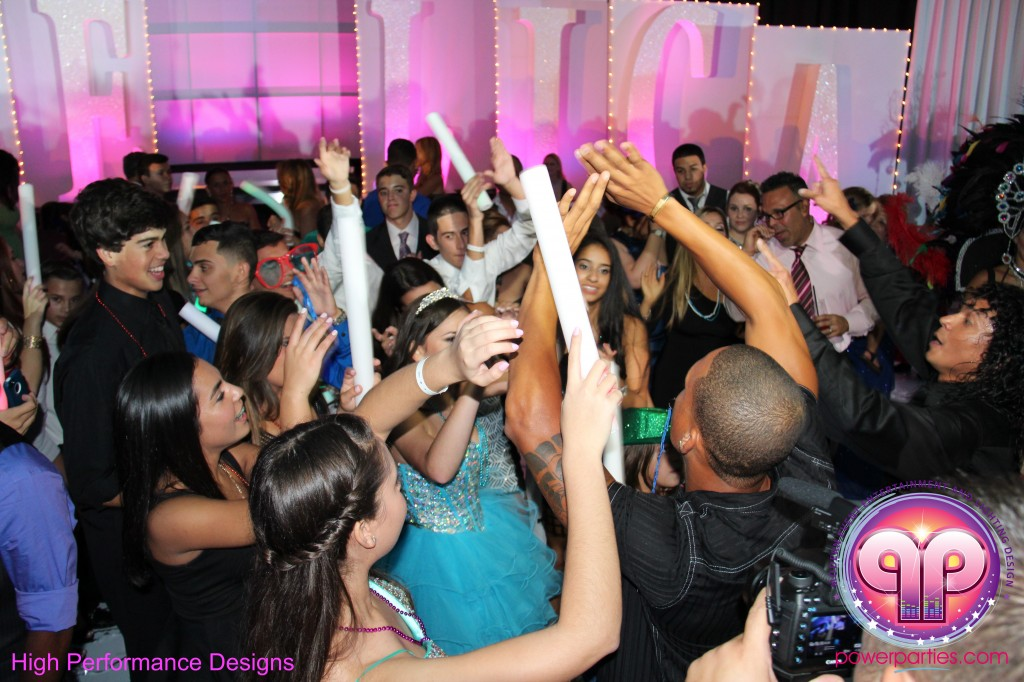 Miami-DJ-Quince-Stages-Power-Parties-Fontainebleau-Miami-Beach-Angelica-Quince stage-Decor-Photo-Booth-20140724_ (20)
