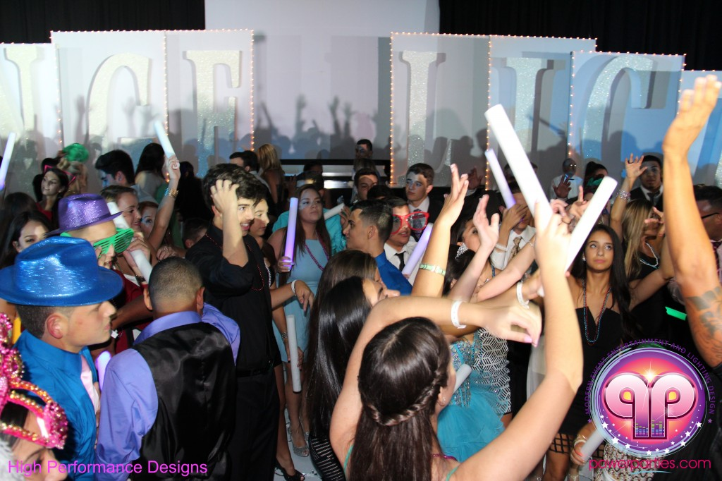 Miami-DJ-Quince-Stages-Power-Parties-Fontainebleau-Miami-Beach-Angelica-Quince stage-Decor-Photo-Booth-20140724_ (23)