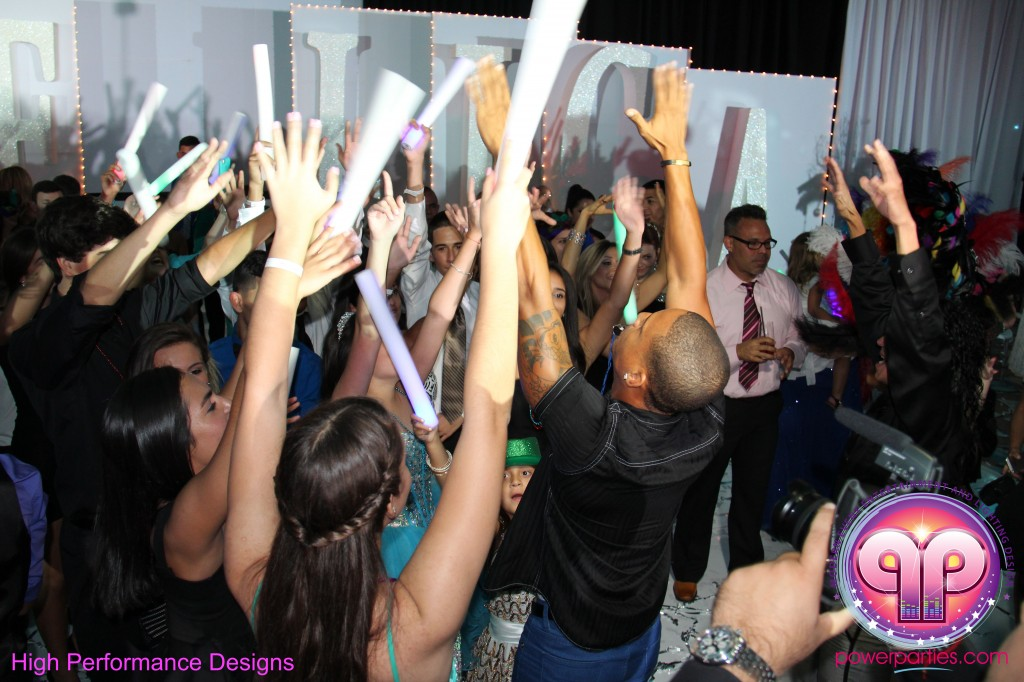 Miami-DJ-Quince-Stages-Power-Parties-Fontainebleau-Miami-Beach-Angelica-Quince stage-Decor-Photo-Booth-20140724_ (26)