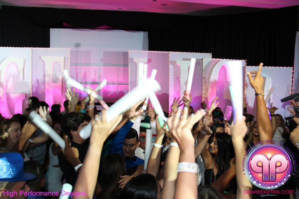 Miami-DJ-Quince-Stages-Power-Parties-Fontainebleau-Miami-Beach-Angelica-Quince stage-Decor-Photo-Booth-20140724_ (30)