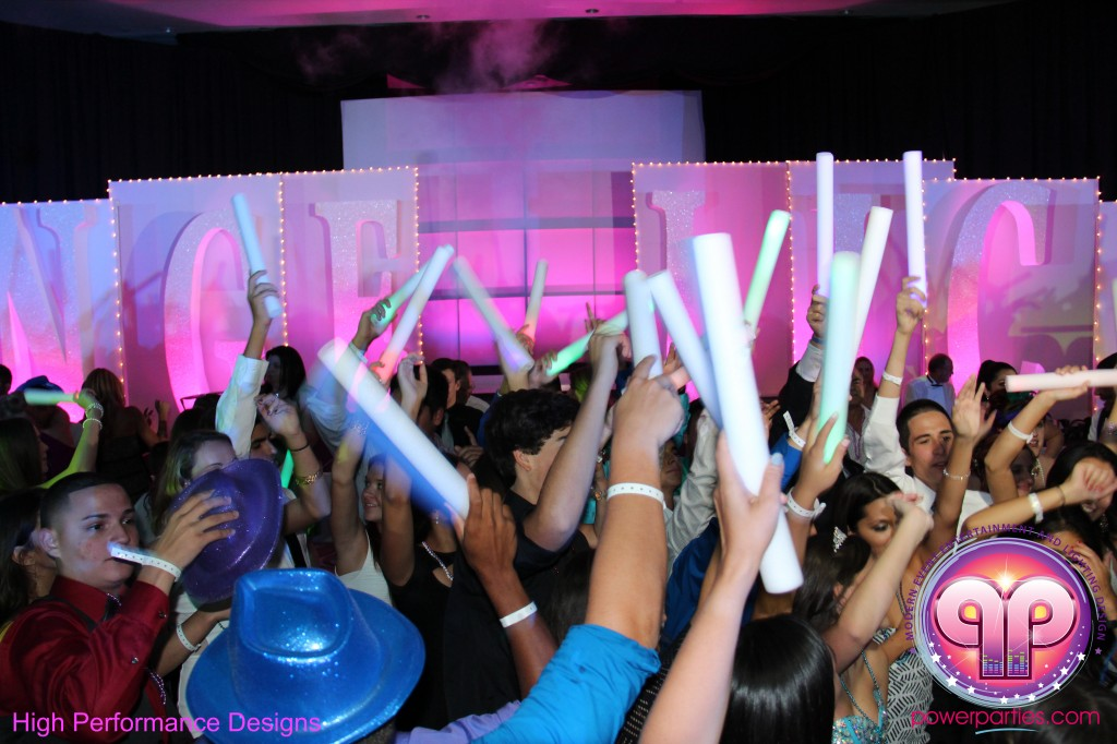 Miami-DJ-Quince-Stages-Power-Parties-Fontainebleau-Miami-Beach-Angelica-Quince stage-Decor-Photo-Booth-20140724_ (35)