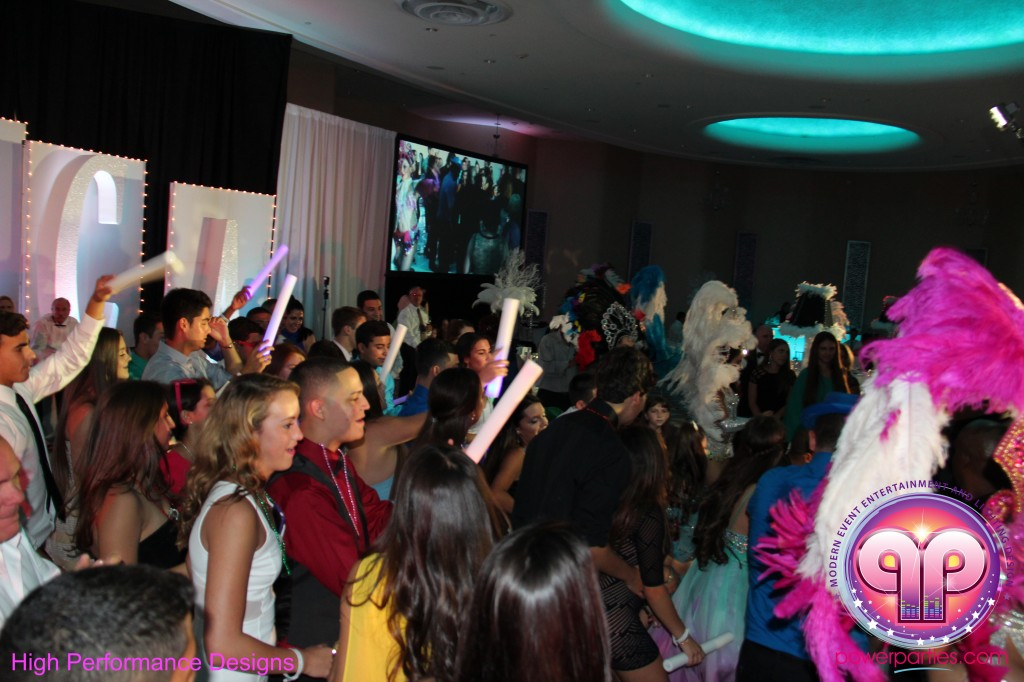 Miami-DJ-Quince-Stages-Power-Parties-Fontainebleau-Miami-Beach-Angelica-Quince stage-Decor-Photo-Booth-20140724_ (40)