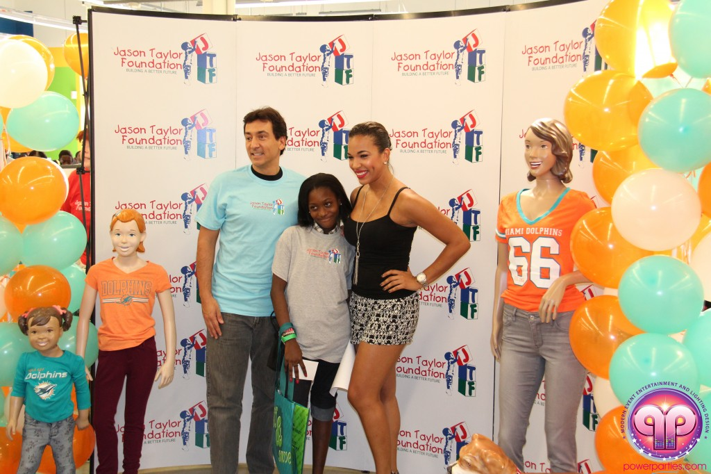 jason_taylor_miami_dolphins_foundation_old_navy_dj_laz_hits_973_power_parties_20140901_ (11)