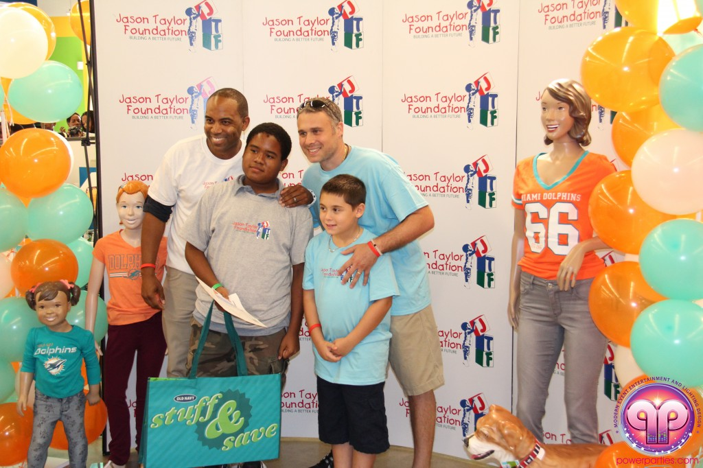 jason_taylor_miami_dolphins_foundation_old_navy_dj_laz_hits_973_power_parties_20140901_ (12)