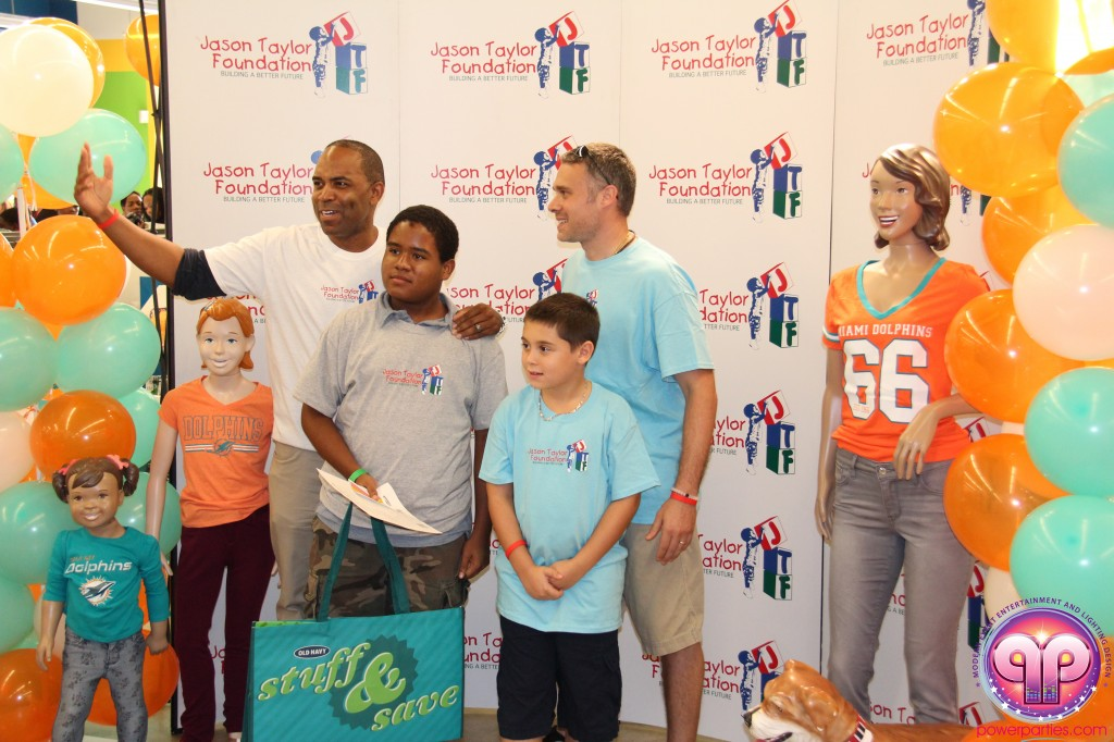 jason_taylor_miami_dolphins_foundation_old_navy_dj_laz_hits_973_power_parties_20140901_ (13)
