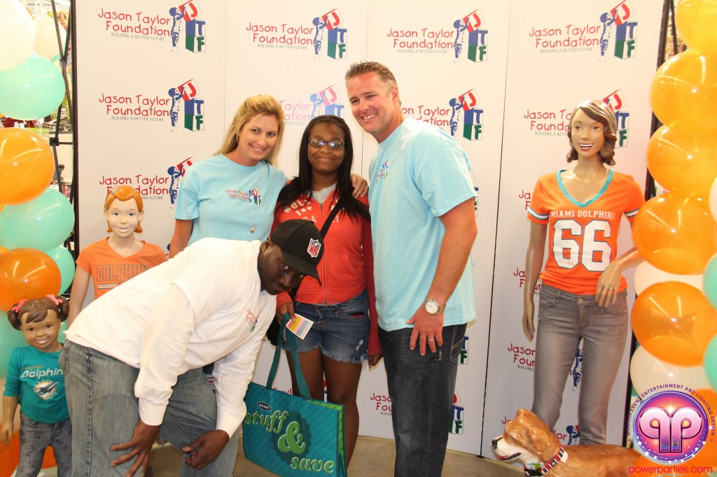 jason_taylor_miami_dolphins_foundation_old_navy_dj_laz_hits_973_power_parties_20140901_ (14)
