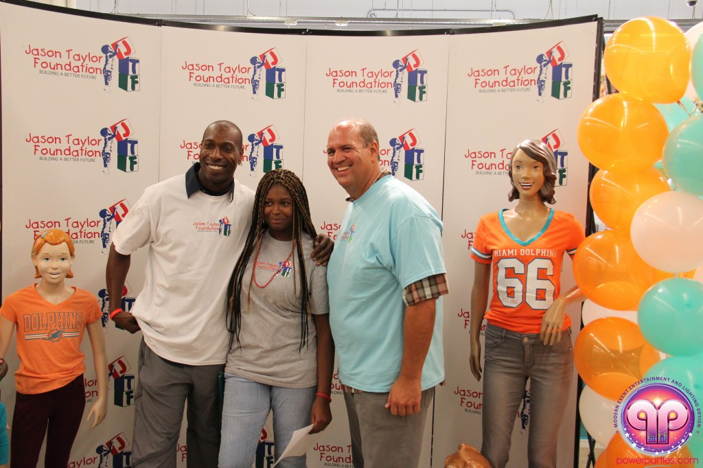 jason_taylor_miami_dolphins_foundation_old_navy_dj_laz_hits_973_power_parties_20140901_ (22)