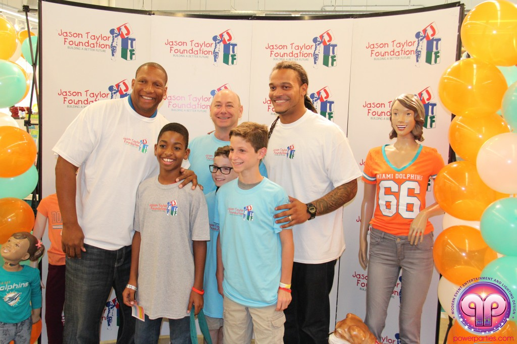 jason_taylor_miami_dolphins_foundation_old_navy_dj_laz_hits_973_power_parties_20140901_ (23)