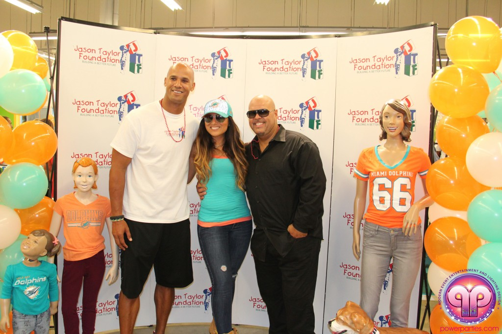 jason_taylor_miami_dolphins_foundation_old_navy_dj_laz_hits_973_power_parties_20140901_ (25)