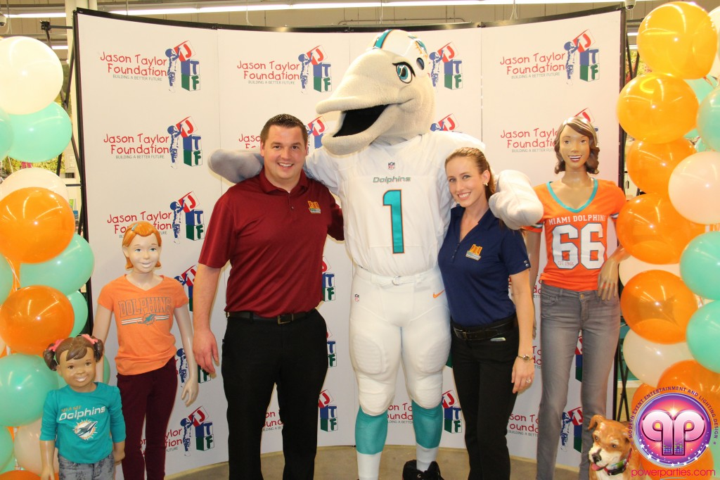 jason_taylor_miami_dolphins_foundation_old_navy_dj_laz_hits_973_power_parties_20140901_ (3)