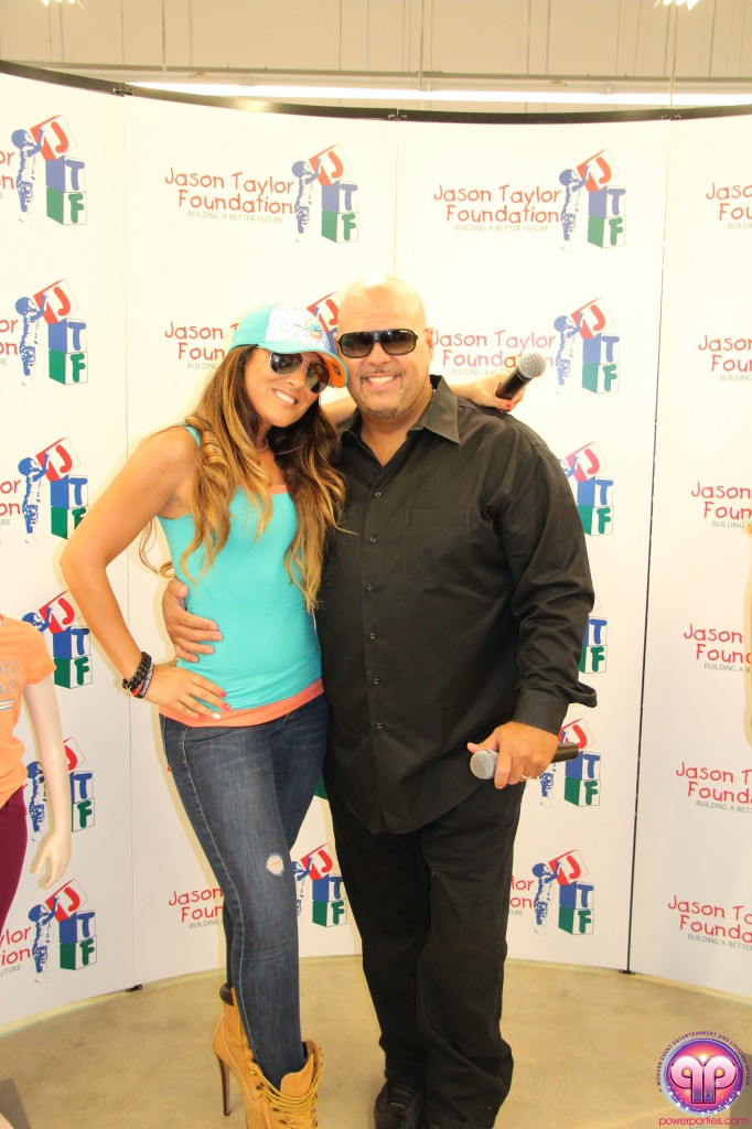 jason_taylor_miami_dolphins_foundation_old_navy_dj_laz_hits_973_power_parties_20140901_ (5)