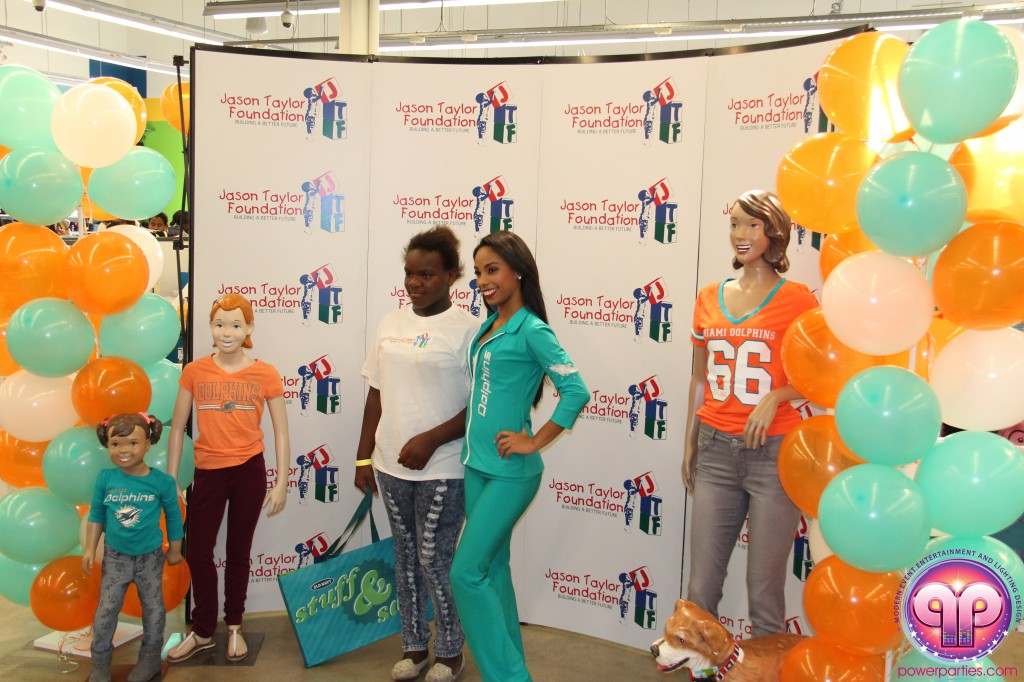 jason_taylor_miami_dolphins_foundation_old_navy_dj_laz_hits_973_power_parties_20140901_ (8)