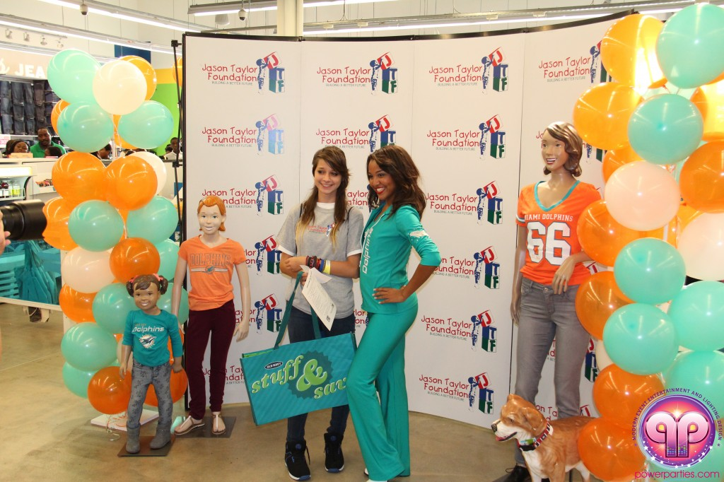 jason_taylor_miami_dolphins_foundation_old_navy_dj_laz_hits_973_power_parties_20140901_ (9)