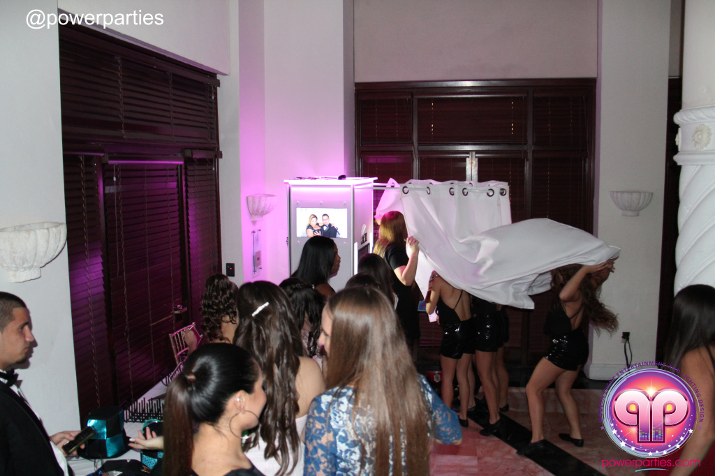Best-miami-dj-nicoles-sweet-16-power-parties-westin-collonade-lopez-falcon-high-performance-design-i-video-creations-20141027_ (38)