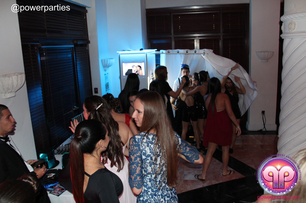 Best-miami-dj-nicoles-sweet-16-power-parties-westin-collonade-lopez-falcon-high-performance-design-i-video-creations-20141027_ (39)