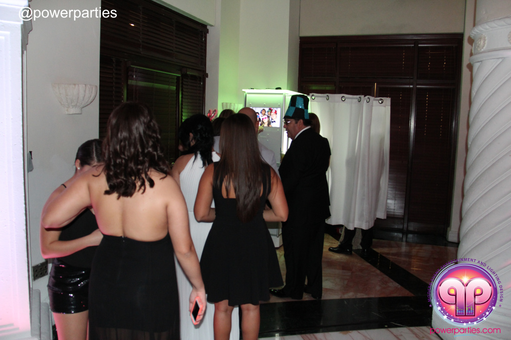 Best-miami-dj-nicoles-sweet-16-power-parties-westin-collonade-lopez-falcon-high-performance-design-i-video-creations-20141027_ (49)