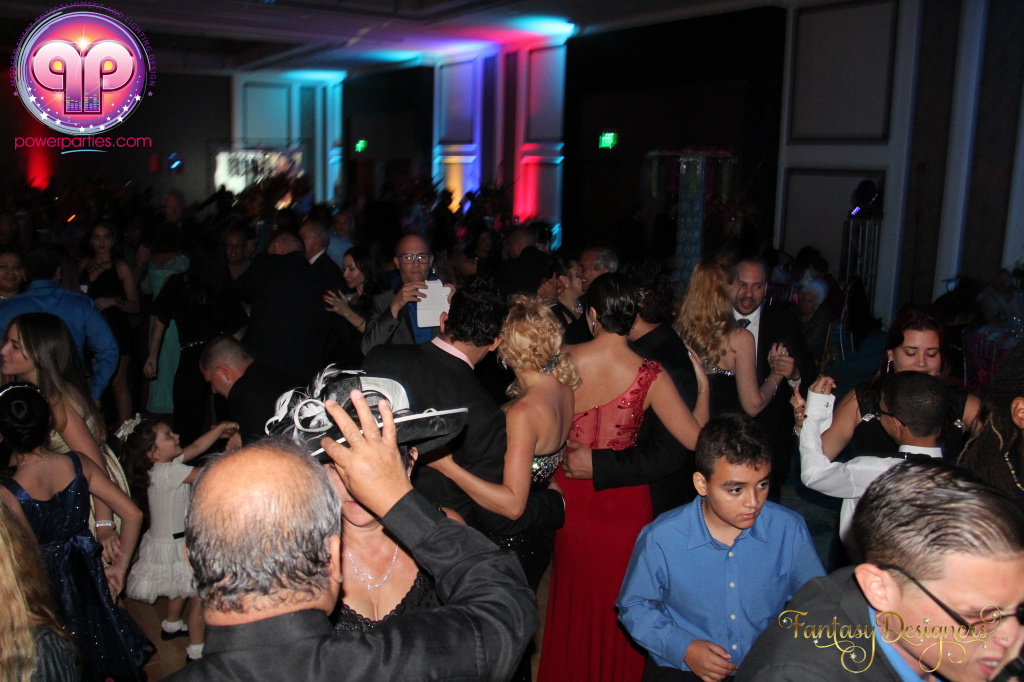 Miami-quince-dj-power-parties-stage-calderin-fantasy-designers-camel-morrocan-lighting-quinces-20141117_ (43)