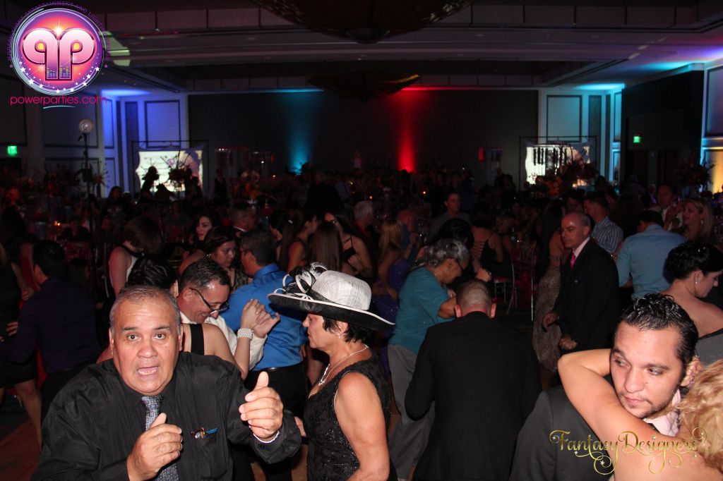 Miami-quince-dj-power-parties-stage-calderin-fantasy-designers-camel-morrocan-lighting-quinces-20141117_ (50)