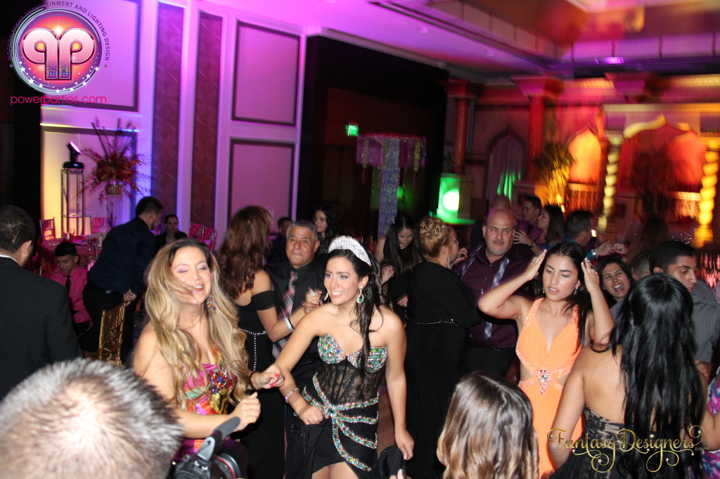 Miami-quince-dj-power-parties-stage-calderin-fantasy-designers-camel-morrocan-lighting-quinces-20141117_ (52)