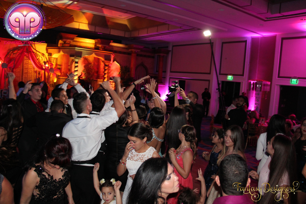 Miami-quince-dj-power-parties-stage-calderin-fantasy-designers-camel-morrocan-lighting-quinces-20141117_ (76)