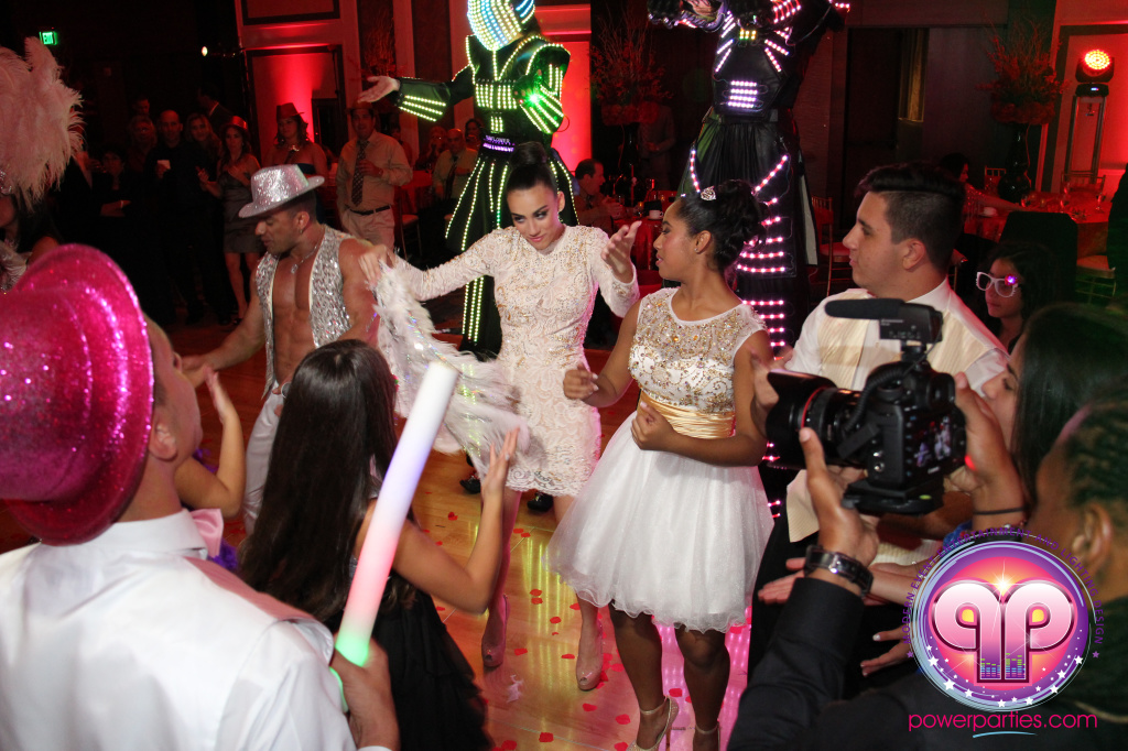 best-dj-quince-wedding-miami-airport-hilton-power-parties-dj-lighting-south-florida-stage-fantasy-designers-20141129_ (108)