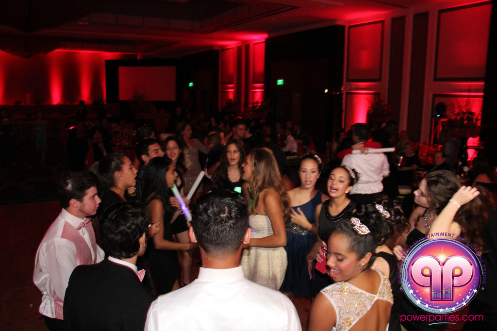 best-dj-quince-wedding-miami-airport-hilton-power-parties-dj-lighting-south-florida-stage-fantasy-designers-20141129_ (38)