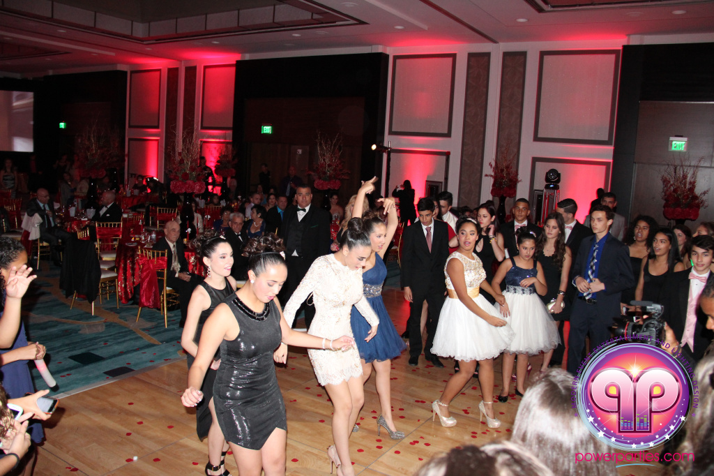 best-dj-quince-wedding-miami-airport-hilton-power-parties-dj-lighting-south-florida-stage-fantasy-designers-20141129_ (48)