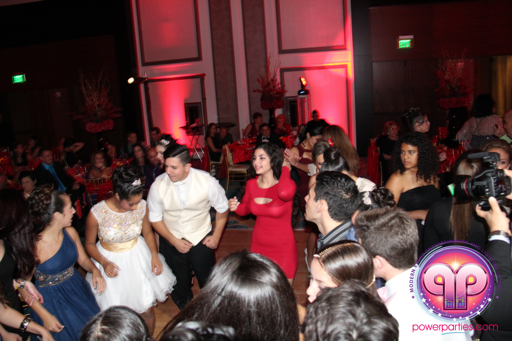 best-dj-quince-wedding-miami-airport-hilton-power-parties-dj-lighting-south-florida-stage-fantasy-designers-20141129_ (52)