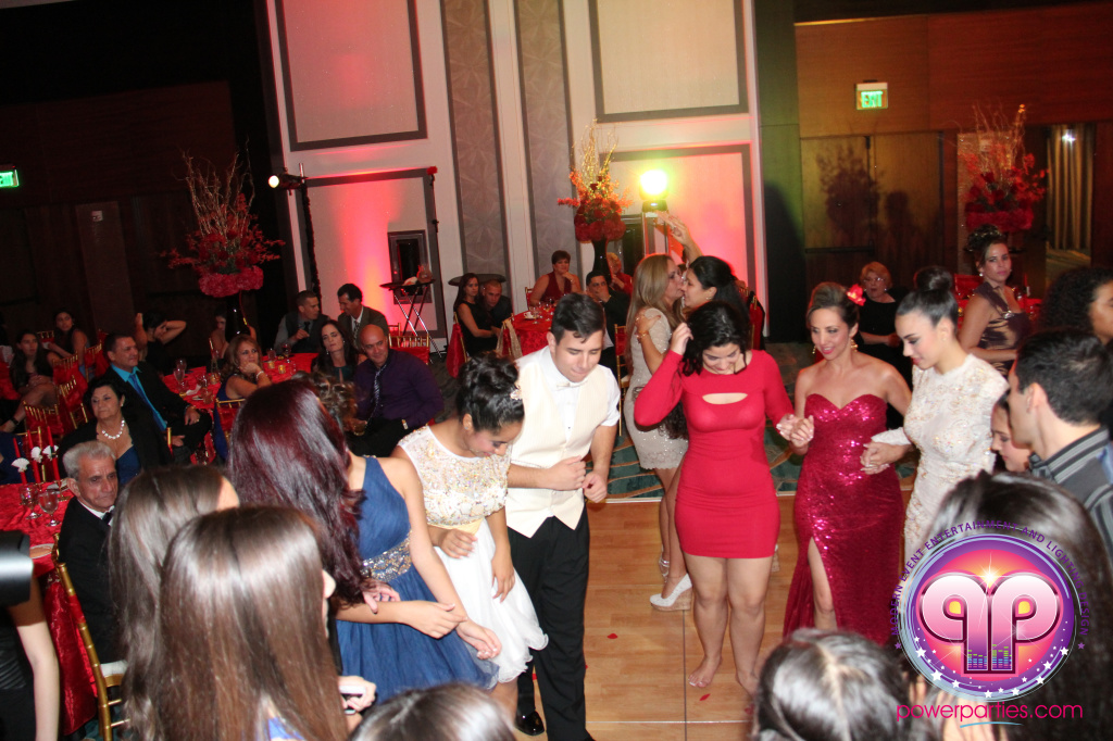 best-dj-quince-wedding-miami-airport-hilton-power-parties-dj-lighting-south-florida-stage-fantasy-designers-20141129_ (54)