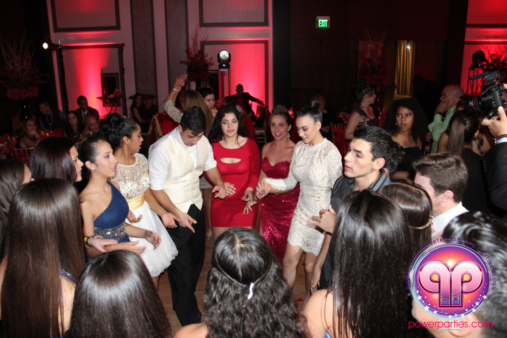 best-dj-quince-wedding-miami-airport-hilton-power-parties-dj-lighting-south-florida-stage-fantasy-designers-20141129_ (56)