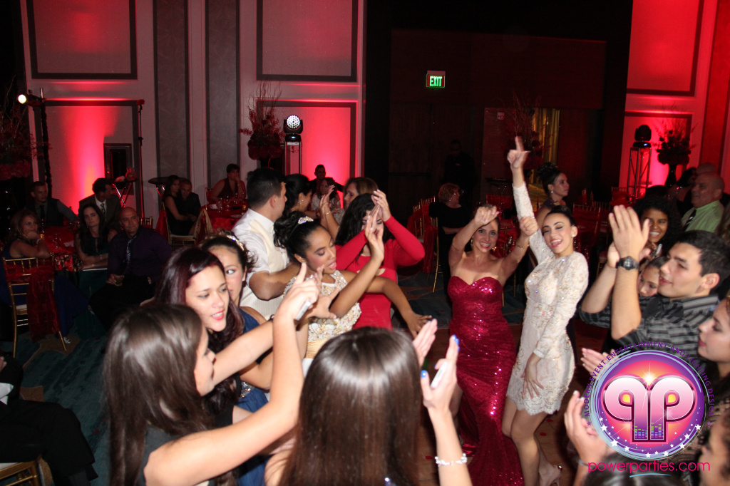 best-dj-quince-wedding-miami-airport-hilton-power-parties-dj-lighting-south-florida-stage-fantasy-designers-20141129_ (60)