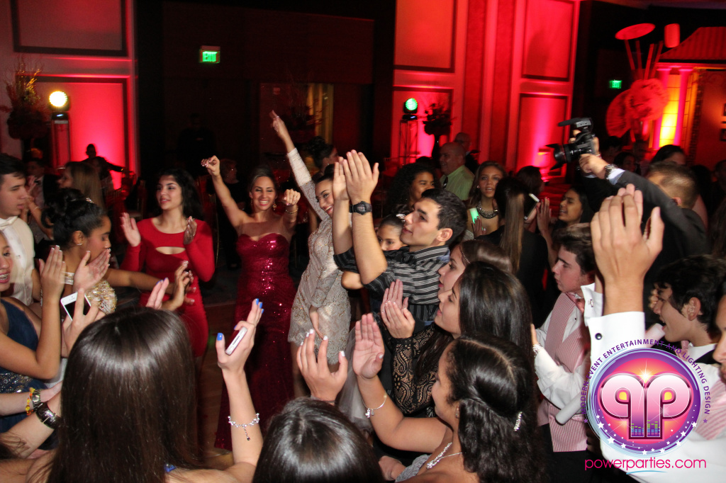 best-dj-quince-wedding-miami-airport-hilton-power-parties-dj-lighting-south-florida-stage-fantasy-designers-20141129_ (61)