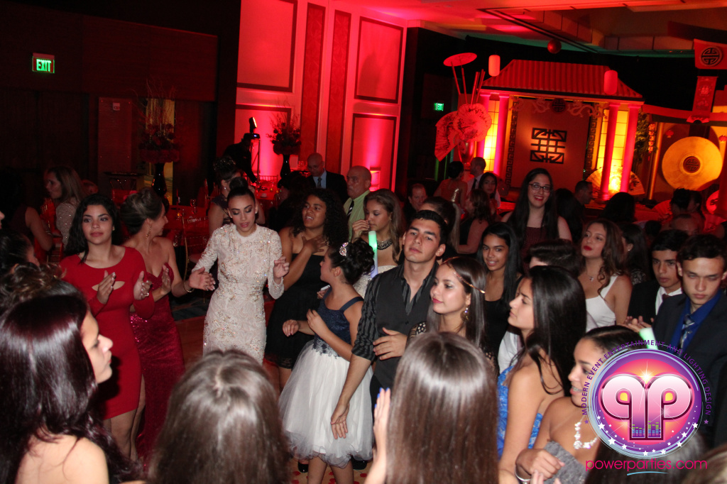 best-dj-quince-wedding-miami-airport-hilton-power-parties-dj-lighting-south-florida-stage-fantasy-designers-20141129_ (65)