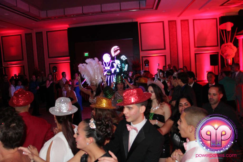 best-dj-quince-wedding-miami-airport-hilton-power-parties-dj-lighting-south-florida-stage-fantasy-designers-20141129_ (73)
