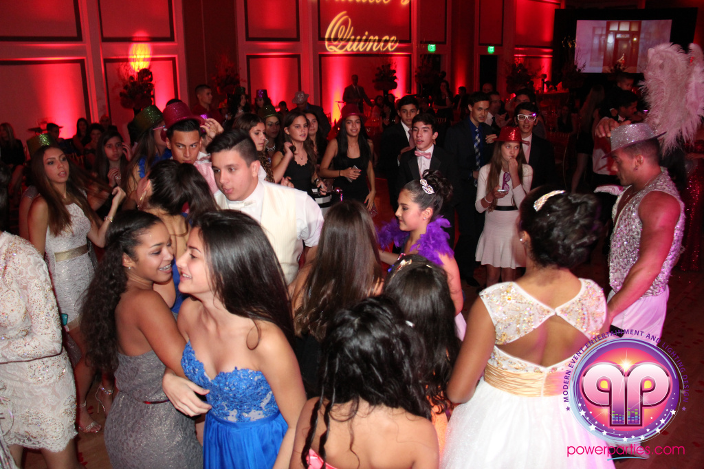 best-dj-quince-wedding-miami-airport-hilton-power-parties-dj-lighting-south-florida-stage-fantasy-designers-20141129_ (92)