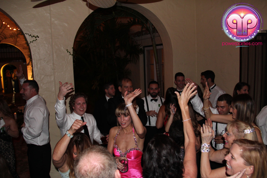 villa-woodbine-wedding-coconut-grove-miami-florida-alex-recio-power-parties-20150127_ (11)