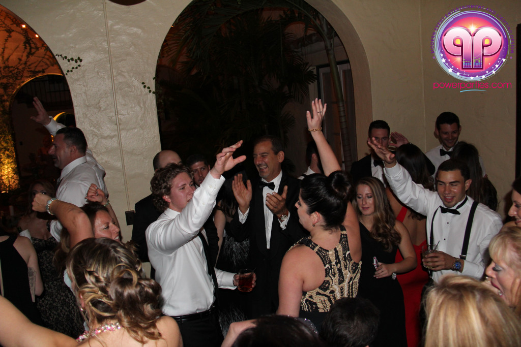 villa-woodbine-wedding-coconut-grove-miami-florida-alex-recio-power-parties-20150127_ (15)