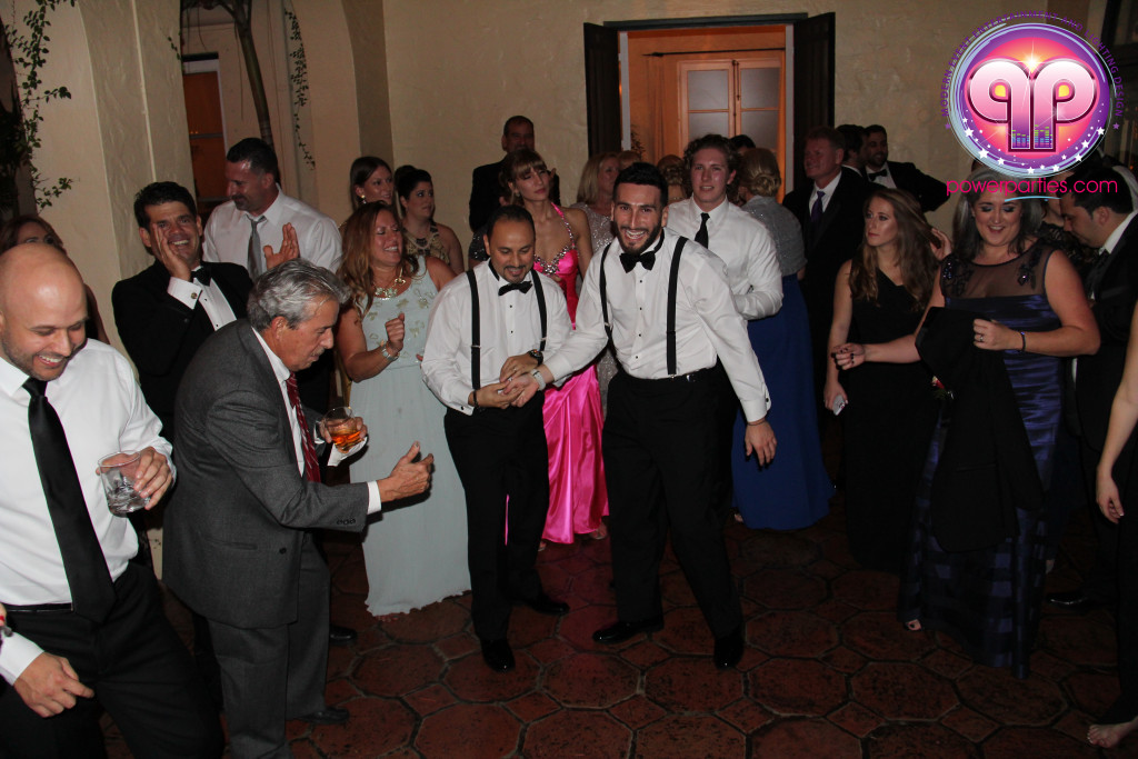 villa-woodbine-wedding-coconut-grove-miami-florida-alex-recio-power-parties-20150127_ (21)