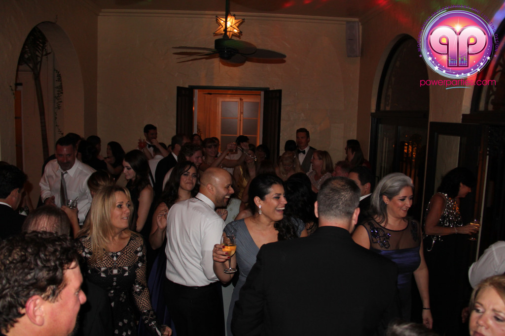 villa-woodbine-wedding-coconut-grove-miami-florida-alex-recio-power-parties-20150127_ (3)
