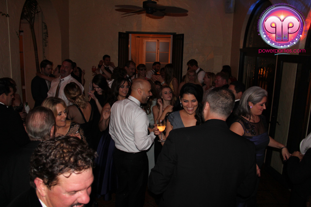 villa-woodbine-wedding-coconut-grove-miami-florida-alex-recio-power-parties-20150127_ (4)