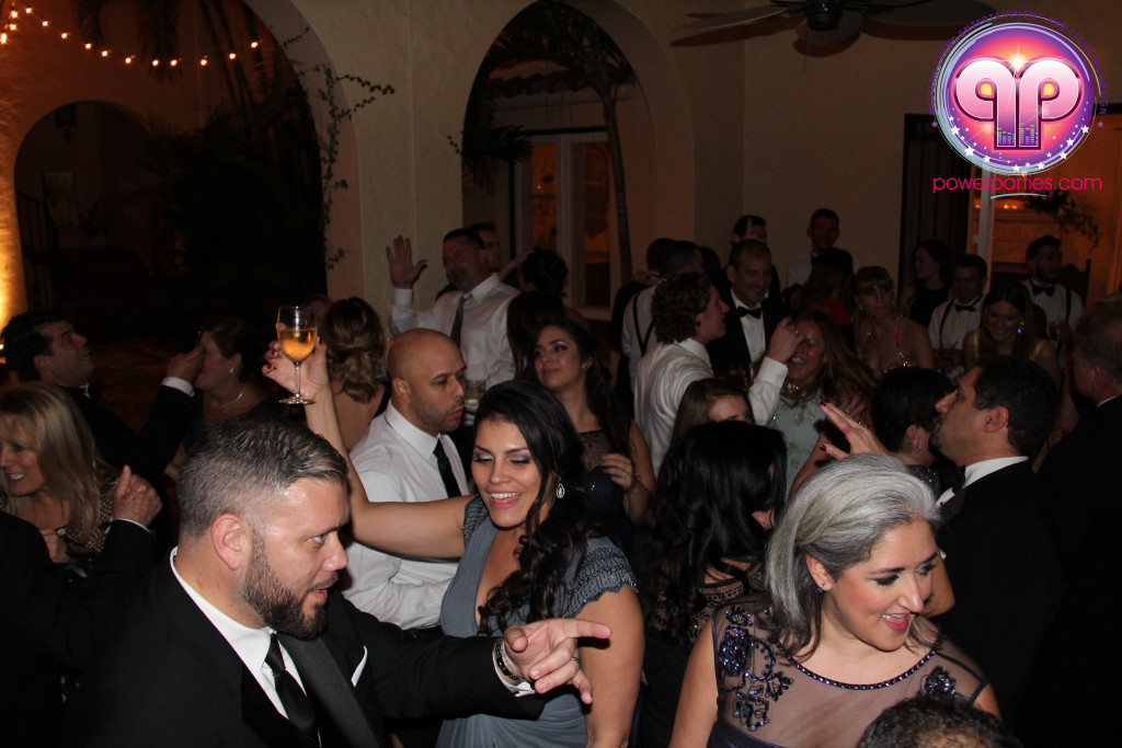 villa-woodbine-wedding-coconut-grove-miami-florida-alex-recio-power-parties-20150127_ (6)