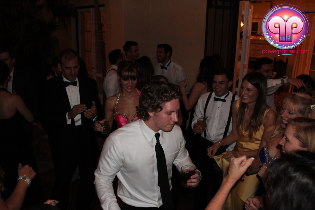 villa-woodbine-wedding-coconut-grove-miami-florida-alex-recio-power-parties-20150127_ (8)