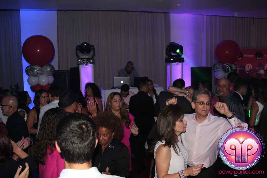 Miami-DJ Laz-Quince-Dj-Wedding-Power-Parties-South-Florida-20150530_f_4.0 (25)